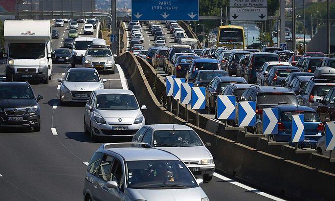 Der Autoverkehr ist eine der Hauptursachen für Luftverschmutzung.