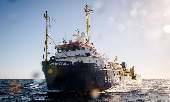 """Die """"Sea-Watch 3"""" sticht wieder in See."""
