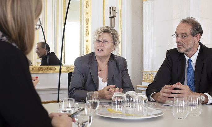 """Wollen eine """"schrittweise Öffnung"""" der Unis mit Schnelltests ermöglichen: Sabine Seidler, Präsidentin der uniko, und Wissenschaftsminister Heinz Faßmann (ÖVP)."""