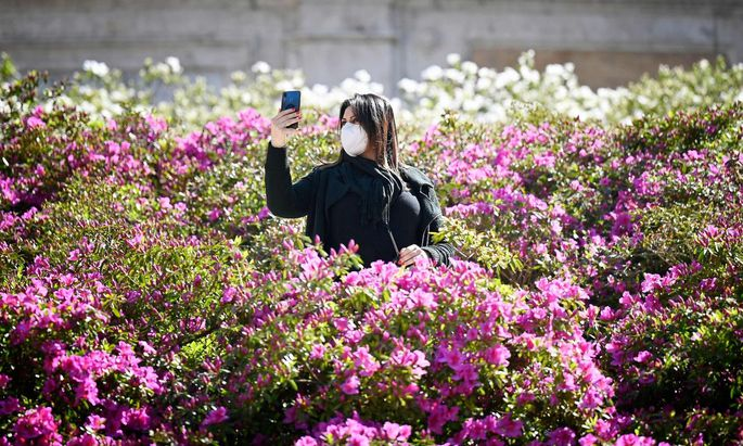 ITALY-LIFESTYLE-SPRING-ROME-FEATURE
