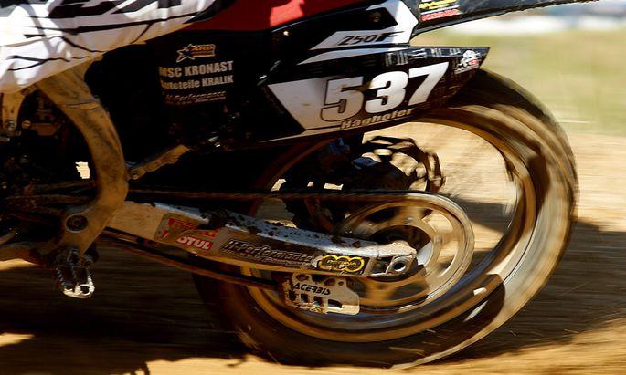 Jaeger droht MotocrossFahrer Waffenverbot