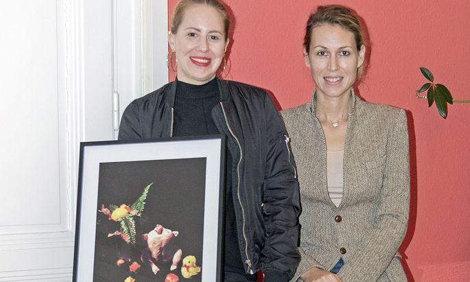 """Frauenpower. Teresa Grandits zeigt ihr Bild """"Ein Sonntag Nachmittag"""" (2017)."""