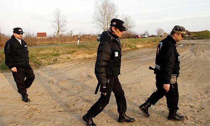 Ungarn Mitglieder rechtsradikaler Buergerwehr