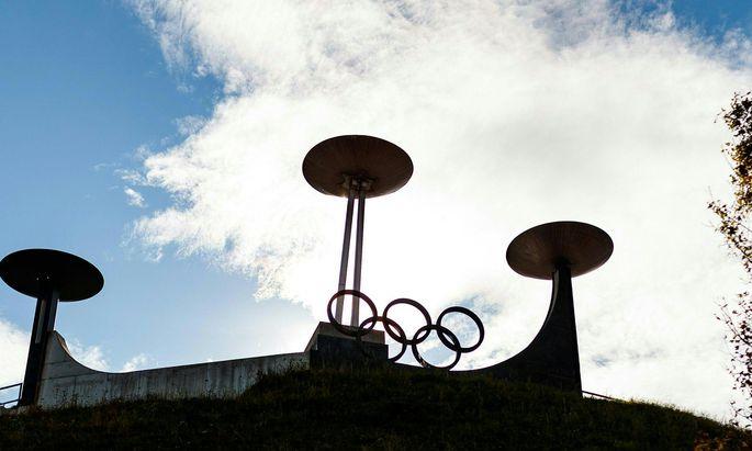 2026 wird das olympische Feuer nicht zum dritten Mal in Innsbruck, sondern anderswo entzündet. Die Vergabe der Winterspiele erfolgt bei der IOC-Versammlung 2019.