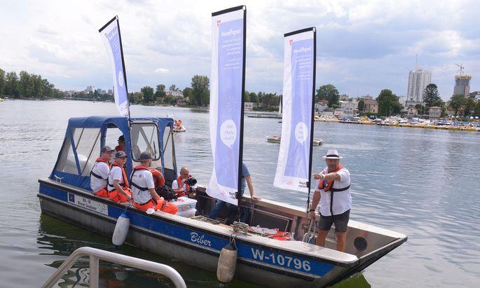 Impfboot auf der Alten Donau