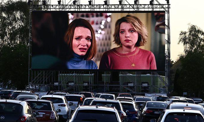 Das Autokino kommt wieder. Im Bild: Ein Kino in Deutschland.