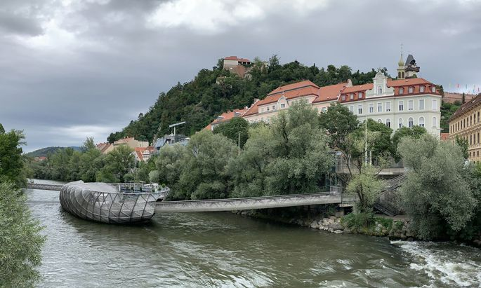 Symbolbild: Die Murinsel in Mitten der Mur in Graz.