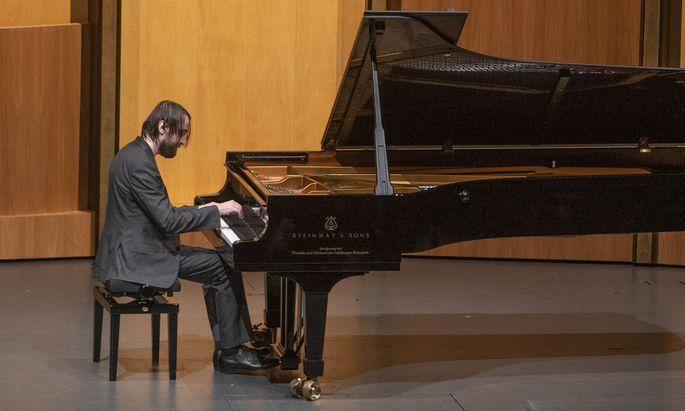 Der heute 30-jährige Pianist Daniil Trifonov hat sich vor allem mit romantischer Virtuosenliteratur einen glänzenden Namen gemacht.