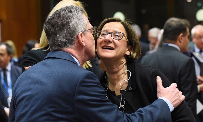 Trotz allem in guter Stimmung: Innenminister de Maizière, Mikl-Leitner.