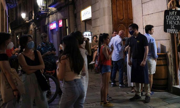 Discos, Bars, Biergärten und andere Party-Lokalitäten (im Bild: Barcelona) wurden als Infektionsorte identifiziert.