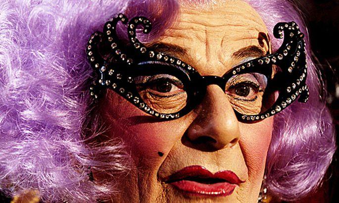 Hobbit Travestiestar Dame Edna