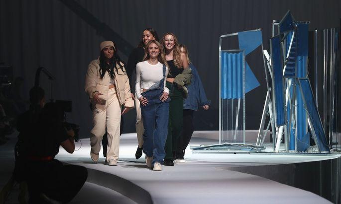 Heidi Klums Tochter am Laufsteg im Berliner Kraftwerk
