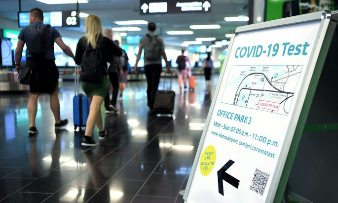 Corona-Test am Flughafen Wien-Schwechat
