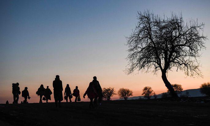 Krieg, Unterdrückung, Elend: Allein im Jahr 2015 flüchteten mehr als eine Million Menschen Richtung Europa. Mit den Folgen kämpfen die EU und die Mitgliedstaaten bis heute.