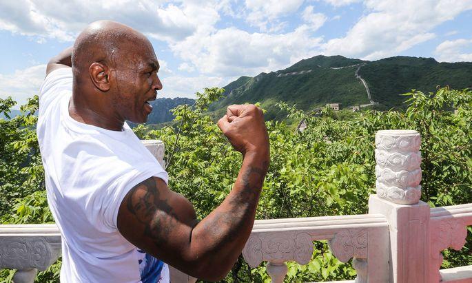 Ob China, Wien oder New York: Stimmt die Gage, zeigt auch Mike Tyson allerorts seinen Schlagarm her.
