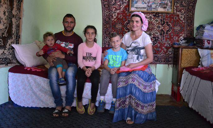 Familie Tibi wohnt in einer selbstgebauten Baracke in der Stadt Ploieşti.