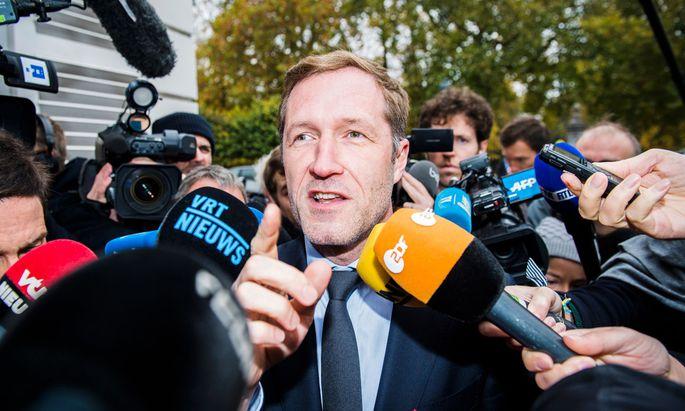 Walloniens Premierminister Paul Magnette genießt es, im Mittelpunkt des europäischen Interesses zu stehen.