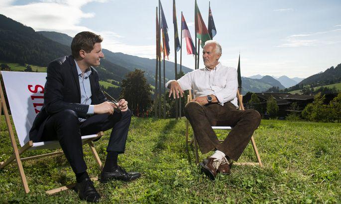 """Justizminister Josef Moser (r.) im Sommergespräch mit """"Presse""""-Redakteur Philipp Aichinger in Alpbach."""