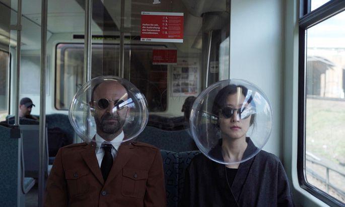 """Sphärisch. Öffentliche Verkehrsmittel in der Sci-Fi-Ästhetik: """"iSphere"""" von dem Kollektiv Plastique Fantastique. Fotos"""