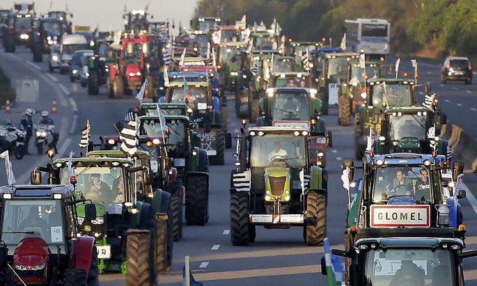 1038 Traktoren rollten am Donnerstag auf die französische Hauptstadt zu