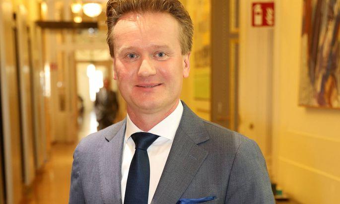 Georg Knill wurde im zweiten Wahlgang mit knapp drei Viertel der Stimmen zum IV-Präsidenten gewählt.