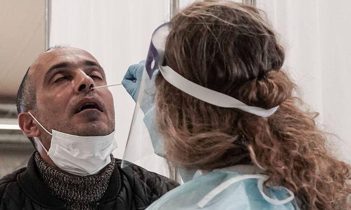 Nach einem positiven Coronatest hatte ein Mann Ende August einen Absonderungsbescheid erhalten.