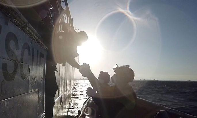 Das spanische Rettungsschiff hatte in den vergangen Tagen Schiffbrüchige im Mittelmeer aufgenommen.
