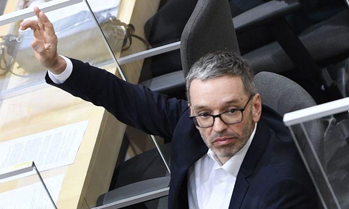 FPÖ-Klubchef Kickl gibt den Rabauken – und widersetzt sich der Maskenpflicht.