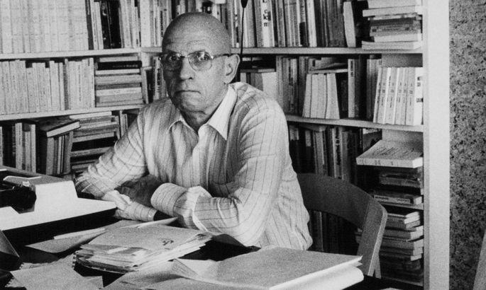 Wir wissen: Foucault vergrub sich nicht nur hinter Büchern. Aber die Missbrauchsvorwürfe sind neu.