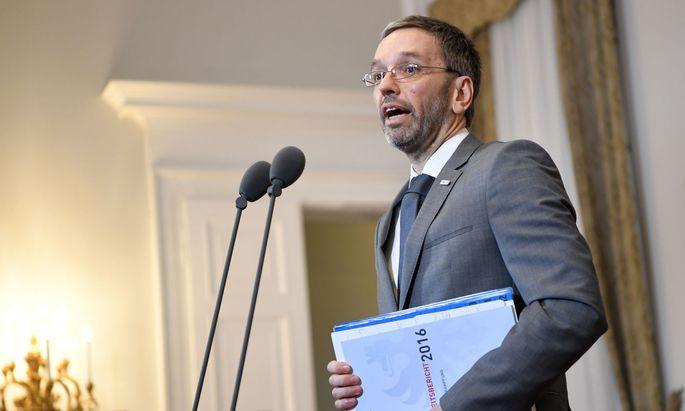 Innenminister Kickl kontrolliert den Inlandsgeheimdienst.