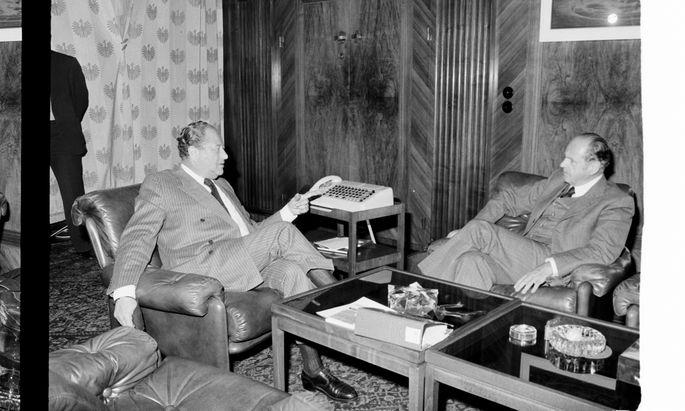 Bruno Kreisky und Friedrich Peter (r.) hatten ein gutes persönliches Verhältnis. Foto von 1975.