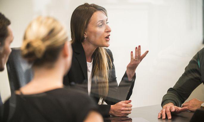 Ob beruflich oder privat, eine starke, ausdrucksvolle Stimme kann in vielen Lebenslagen von Vorteil sein.