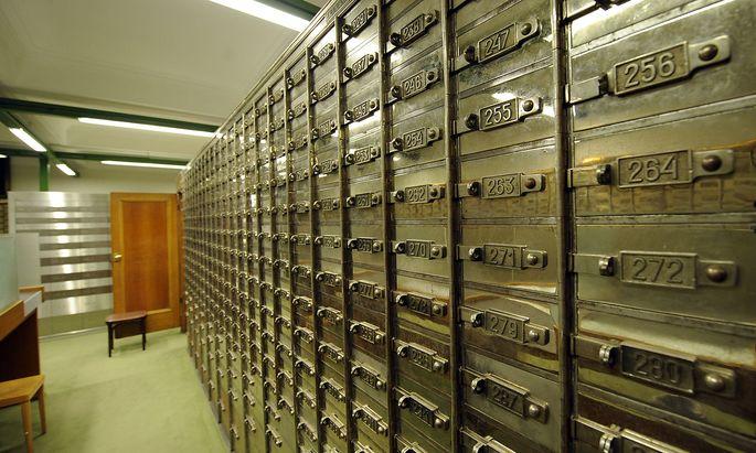 WIEN: BANK AUSTRIA ZENTRALE IN DER SCHOTTENGASSE