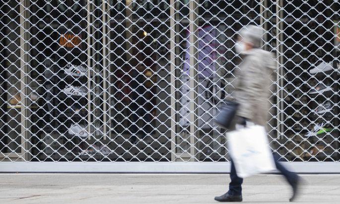 Schon der fast drei Wochen andauernde Lockdown kurz vor Weihnachten habe die Handelsbranche in der für sie wichtigsten Jahreszeit schwer getroffen.