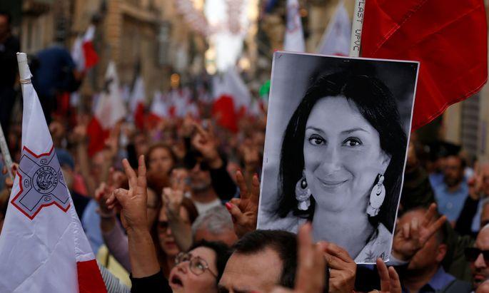 In Valetta fordern Tausende die Aufklärung des Mordes an der Journalistin Daphne Caruana Galizia