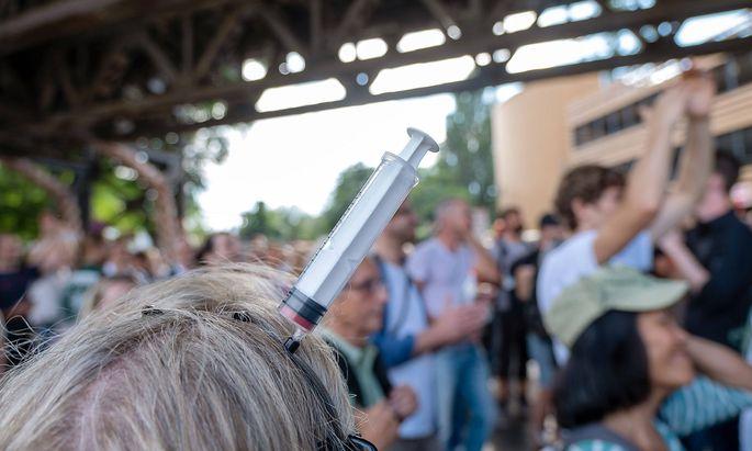 Eine fuer diesen Sonntag (01.08.2021) angemeldete Grossdemonstration von Gegnern der Corona-Massnahmen in Berlin war zw