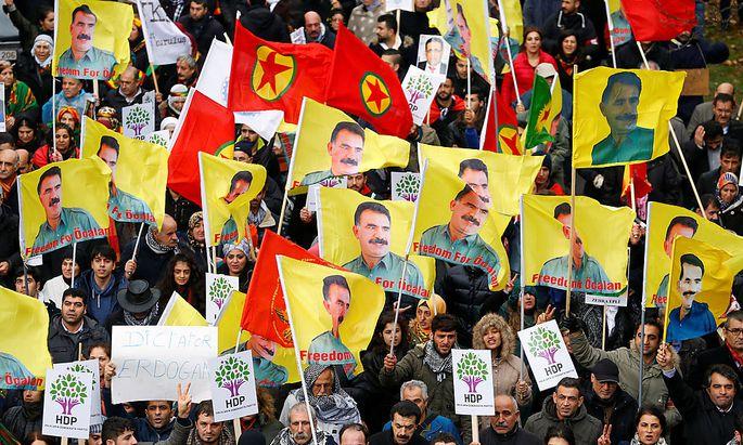 Prokurdische Demonstranten in Brüssel.
