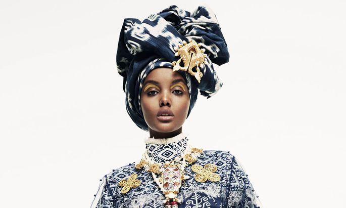"""Die muslimische Modeausstellung """"Contemporary Muslim Fashions"""" polarisiert."""
