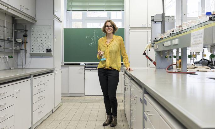 Hindernisse beim Verstehen des Unterrichtsfachs Chemie möchte Katharina Groß aus dem Weg räumen.