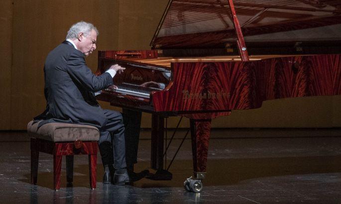 """Zur Zugabe spielte er Schumanns """"Fröhlichen Landmann"""": András Schiff in Salzburg."""