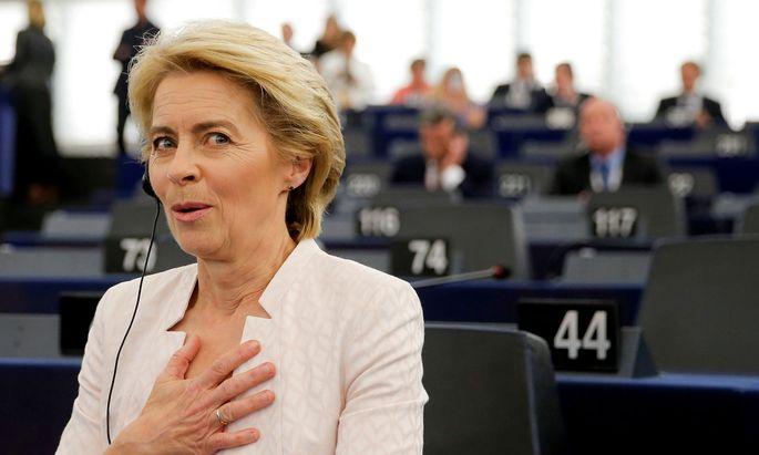 """Ursula von der Leyen ist """"überwältigt"""" von der großen Ehre, EU-Kommissionspräsidentin zu sein."""