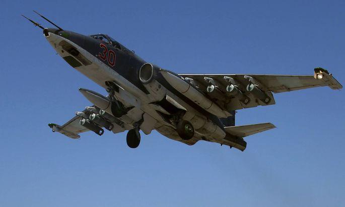 Russische Erdkampfflugzeuge bei Latakia in Syrien.
