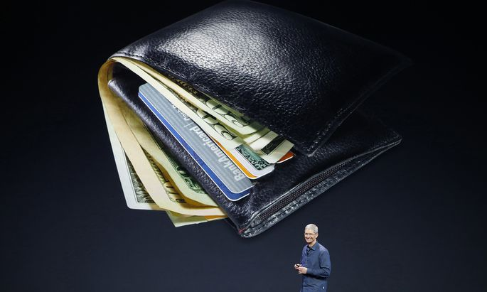 E-Wallets, wie Apple Pay, werden immer beliebter. Im Bild: Apple CEO Tim Cook.
