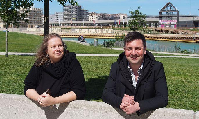 Katja Schechtner und Wojciech Czaja im Seepark.