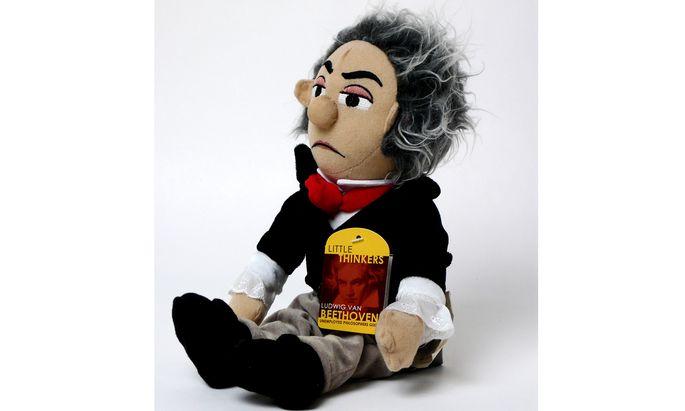 """In den """"Peanuts"""" ist ein Bub verrückt nach Beethoven. Taugt dieser auch real als Spielzeug? Diese Plüschfigur der New Yorker Firma Unemployed Philosopher's Guild spielt die """"Mondscheinsonate""""."""