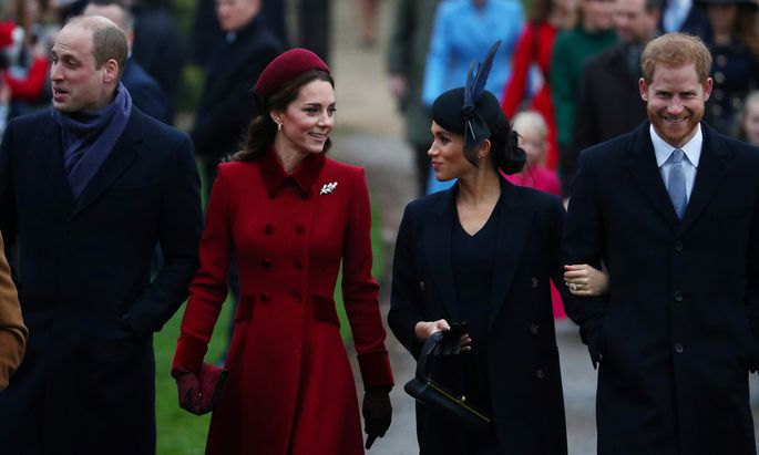 Die Royals auf dem Weg zum Weihnachtsgottesdienst.