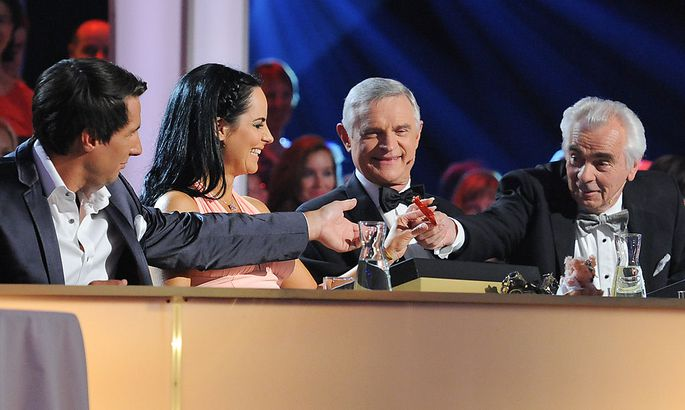 Die Dancing Stars-Jury der letzten Staffel: Ekker und Burns-Hansen bleiben, Schäfer-Elmayer und Nedbal müssen gehen.