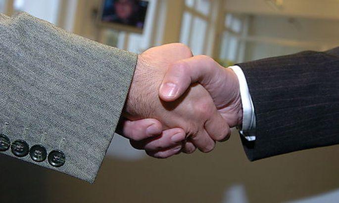 handshake, Handschlag, Vertragsabschluss Photo: Michaela Bruckberger