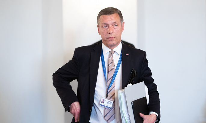Was hat das Parlament mit der Sektion von Christian Pilnacek vor?