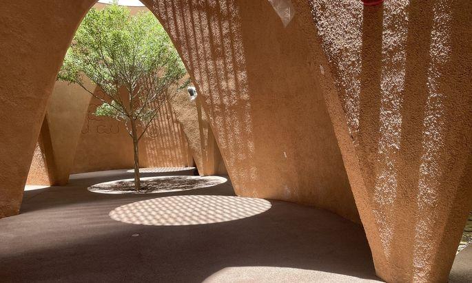 Der Austria Pavillon bei der Expo 2020 in Dubai setzt auf Lehmputz im Innenbereich.